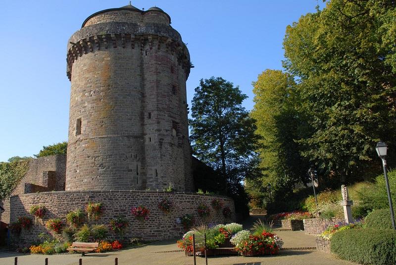 La tour du Papegault - Montfort-sur-Meu